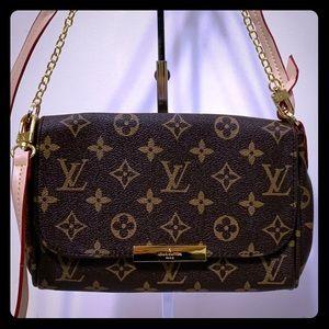 Louis Vuitton 8.3 x 5.5 x 1.5